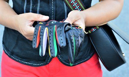 Rękawiczki do prowadzenia samochodu.