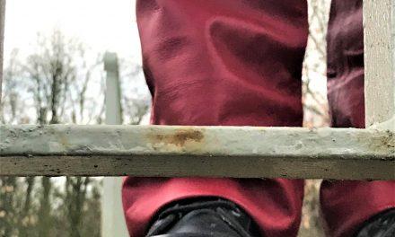 Ponoworoczne refleksje w skórzanych spodniach.